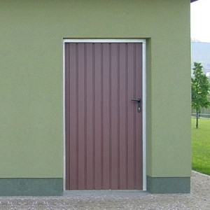 Garážové vstupní dveře